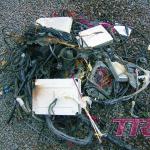 Kilka kilogramów niepotrzebnej miedzi czyli wycięta instalacja elektryczna. W jej miejsce będzie nowa
