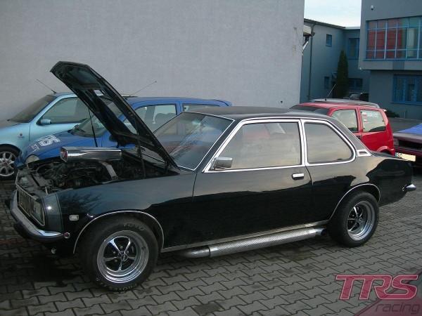 Nieco zmodyfikowany Opel Ascona B 3.0 V6