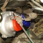 Mechanizm miany biegów wbił się w duże turbo:)