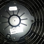 Wentylator SPAL zamontowany