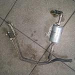 Taką oto instalację wężykowo-opaskową znaleźliśmy przy zbiorniku paliwa:)