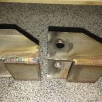 Uchwyty tłumika zostały wykonane ze stali nierdzewnej na wzór oryginału