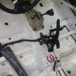Lancer wrócił po klatkowaniu w Ireco Motorsport oraz malowaniu wnętrza i montażu systemu gaśniczego w MP Classic. Obecnie trwa porządkowanie instalacji elektrycznej wewnątrz auta.