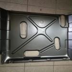 Osłona układu paliwowego również pomalowana w Saw-Cars